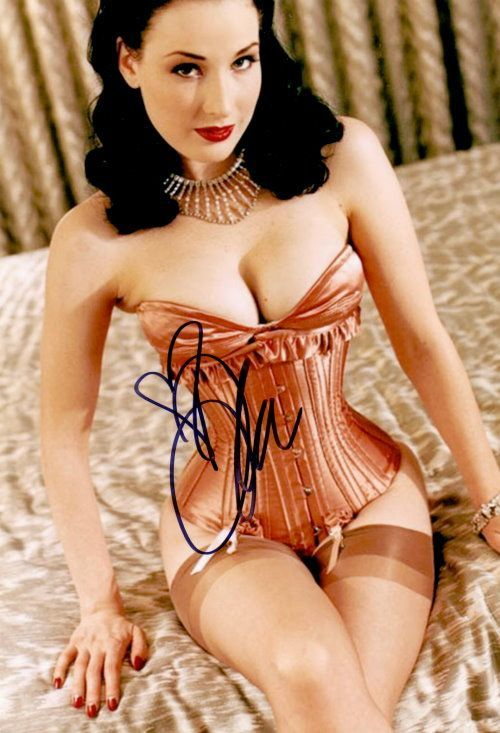 Dita von Teese Autogramm