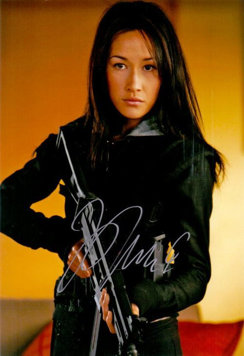 Maggie Q Autogramm