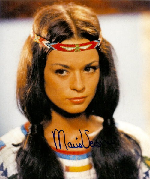 Marie Versini Autogramm