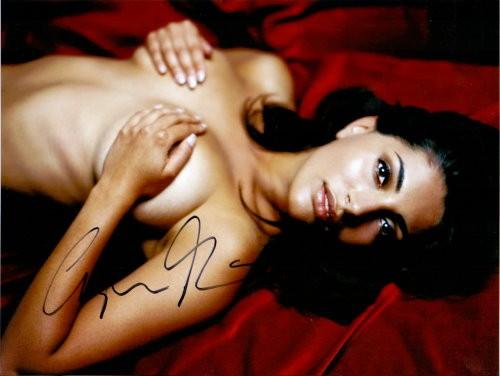 Bondgirl Caterina Murino Autogramm