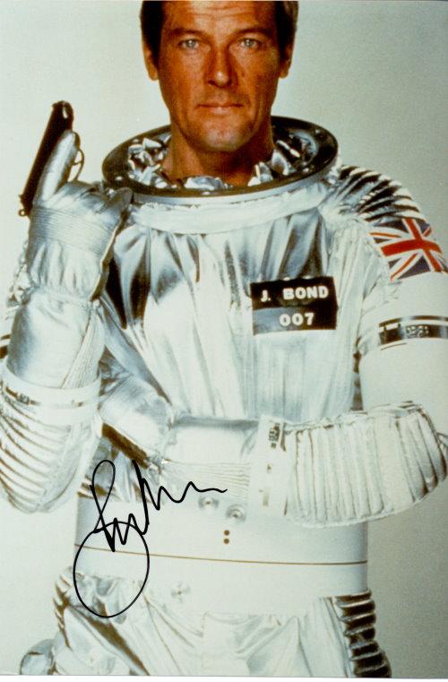 Roger Moore Autogramm als James Bond