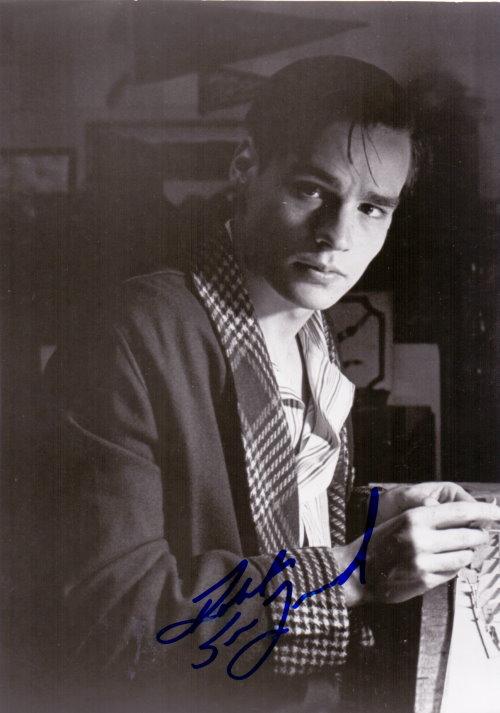 Robert Sean Leonhard Autogramm
