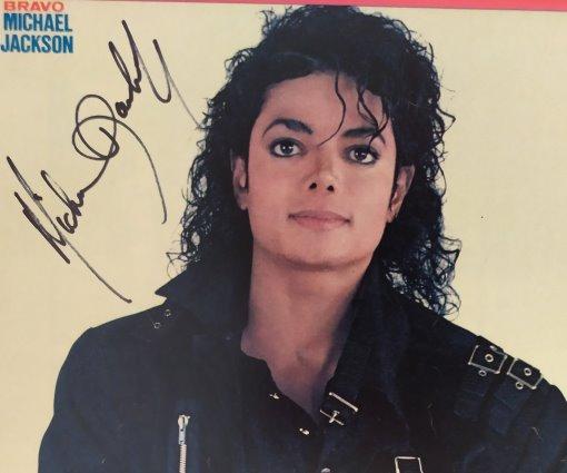MICHAEL JACKSON - Autogramm auf Installation