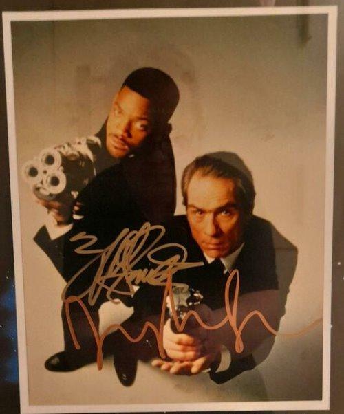 Will Smith + Tommy Lee Jones Autogramme auf Installation